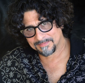 Longtime singer-songwriter Dan Navarro will perform Friday at the Kennett Flash.