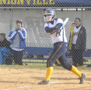 Unionville's Kate Mims crushed a two-run homer in the eighth inning to lead the Indians past Sun Valley, 10-8.